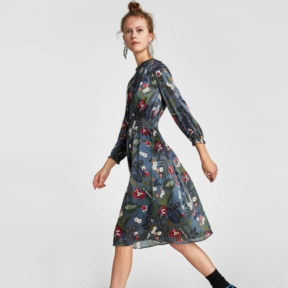 0a67870388 Zara NWT blue floral printed dress with elastic M